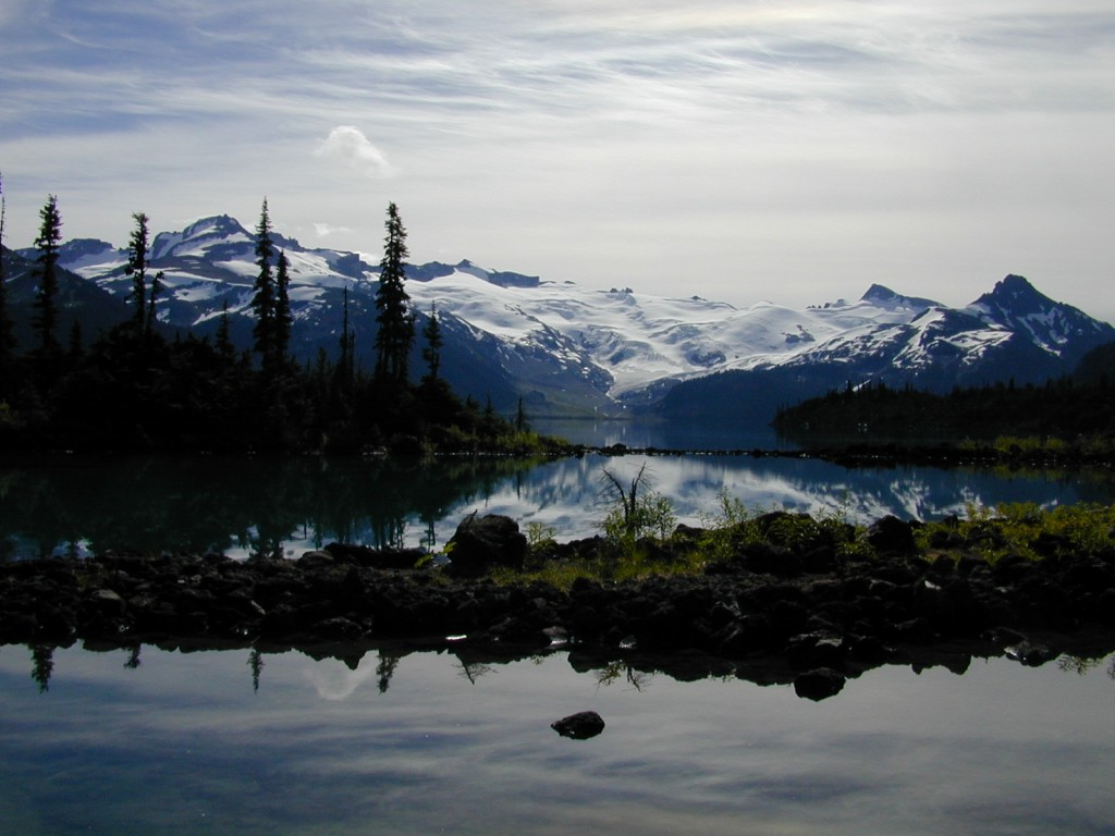 Stunning Garibaldi Lake with mountains in backdrop
