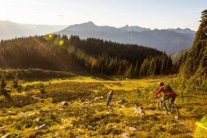Mountain Biking on Mt. McCrae, Revelstoke. Photo: Destination BC/Ryan Creary