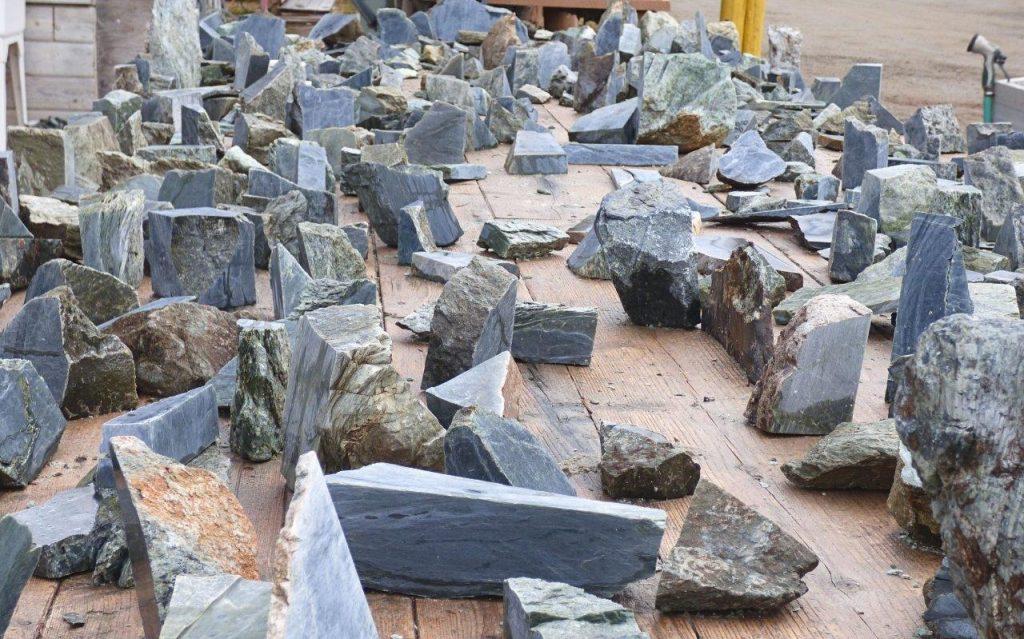 pieces of jade at Jade City